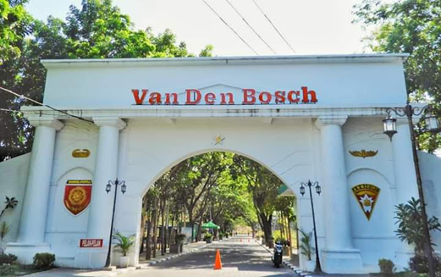 Misteri Dibalik Benteng Van Den Bosch Armed 12 Kostrad