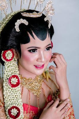 Rias Pengantin - Paket Wedding Organizer Semarang