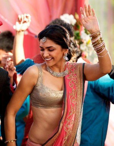 Actress Deepika Padukone Hot Photos