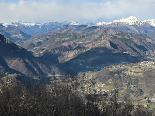 Looking toward Spino al Brembo from Canto Alto.