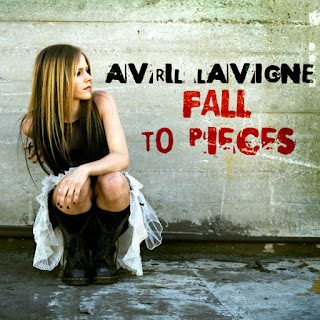 Fall To Pieces | Avril Lavigne