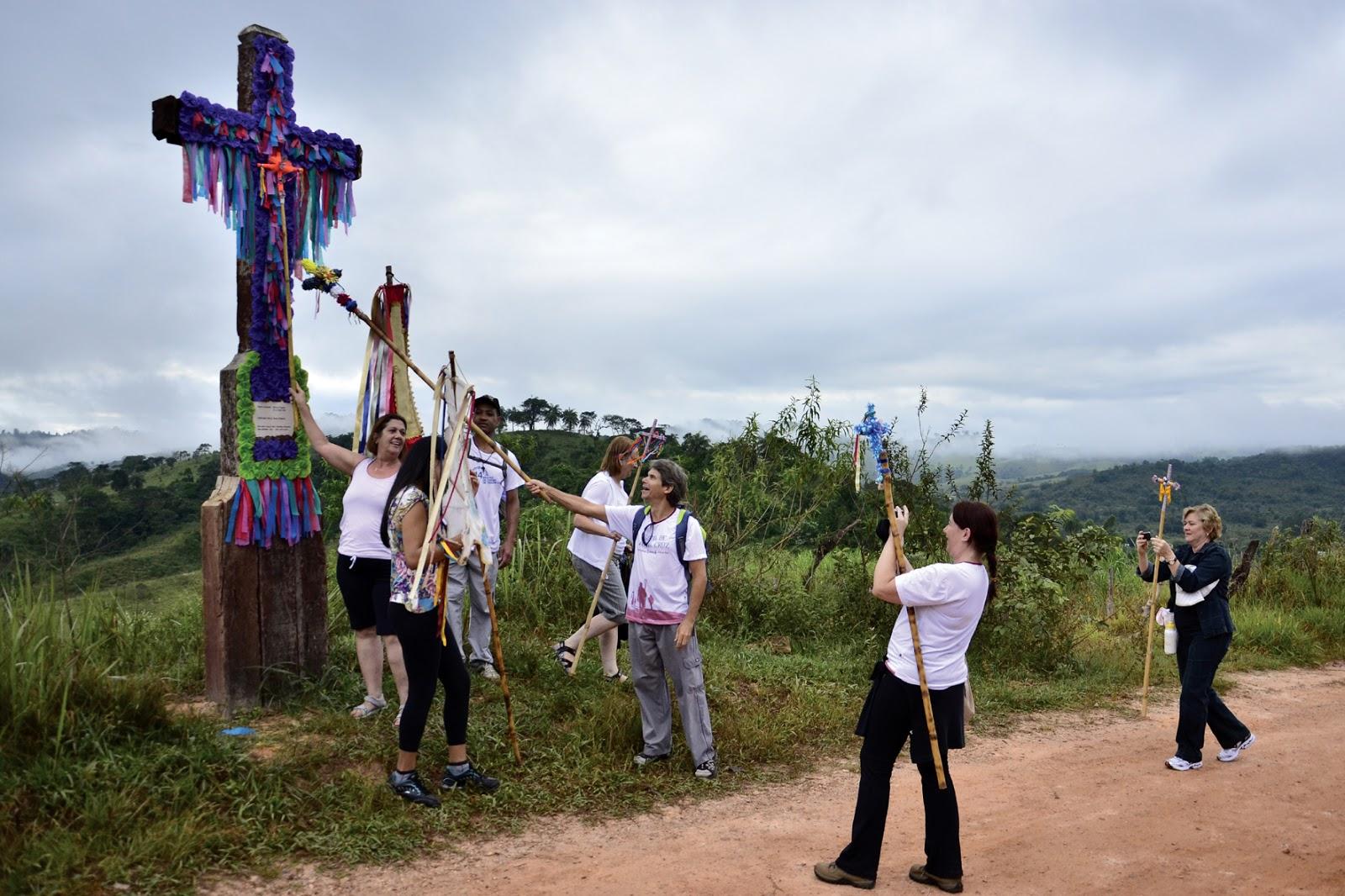 030d6ce69a14 Os cruzeiros (Passos de Santa Cruz) são decorados por artistas para a festa