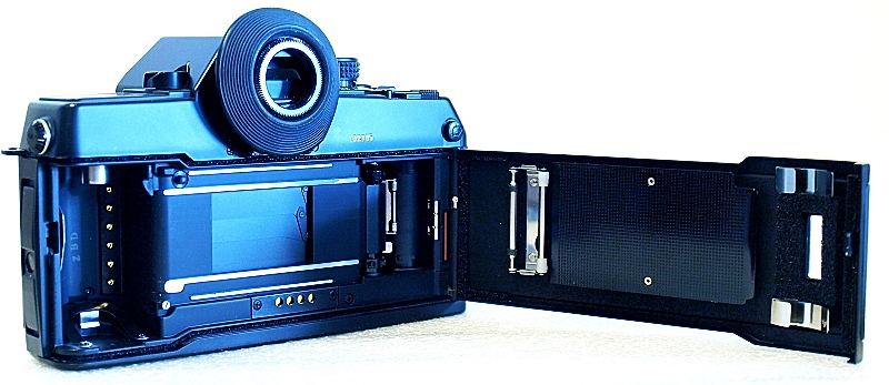 Contax 167 MT, Film box