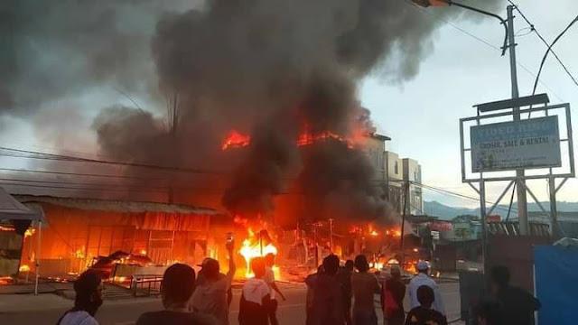16 Unit Tempat Usaha Hangus Terbakar di Abepura