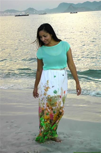 praia-mar-barco-areia