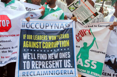 Photos: Protesters Storm National Assembly, Demands Saraki's Immediate Resignation