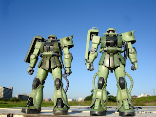 MG MS-06J Ver.2.0 vs MG MS-06F Ver.2.0 比較(正面)