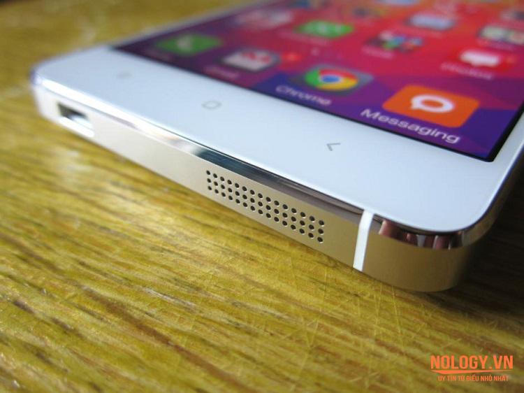 Loa ở cạnh dưới Xiaomi Mi 4