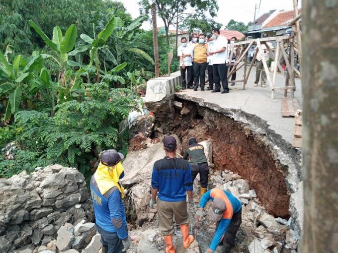 Tinjau Jalan Amblas, PUPR Diminta Awasi Proses Pengerjaan