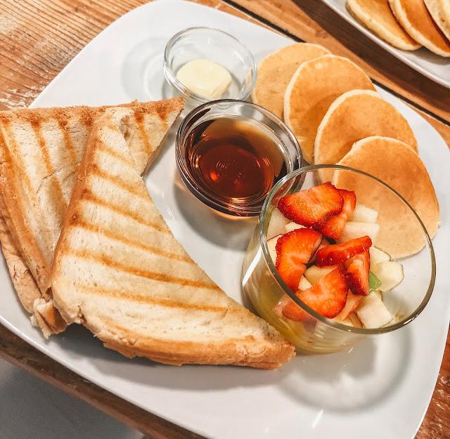 Brunch Cafe   The perfect breakfast spot in Lisbon