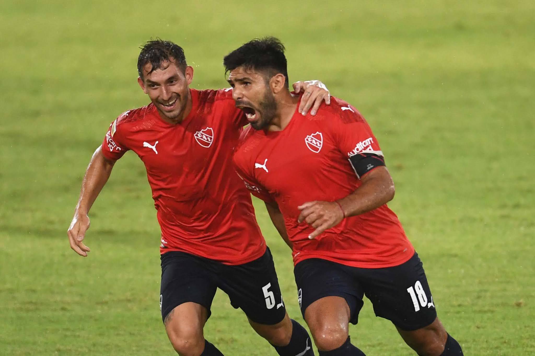 Independiente concretó una goleada descomunal ante Sarmiento y lidera la Zona 2