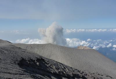 Gunung Semeru, Perjalanan Panjang Menuju Kematian | Jurnal #9