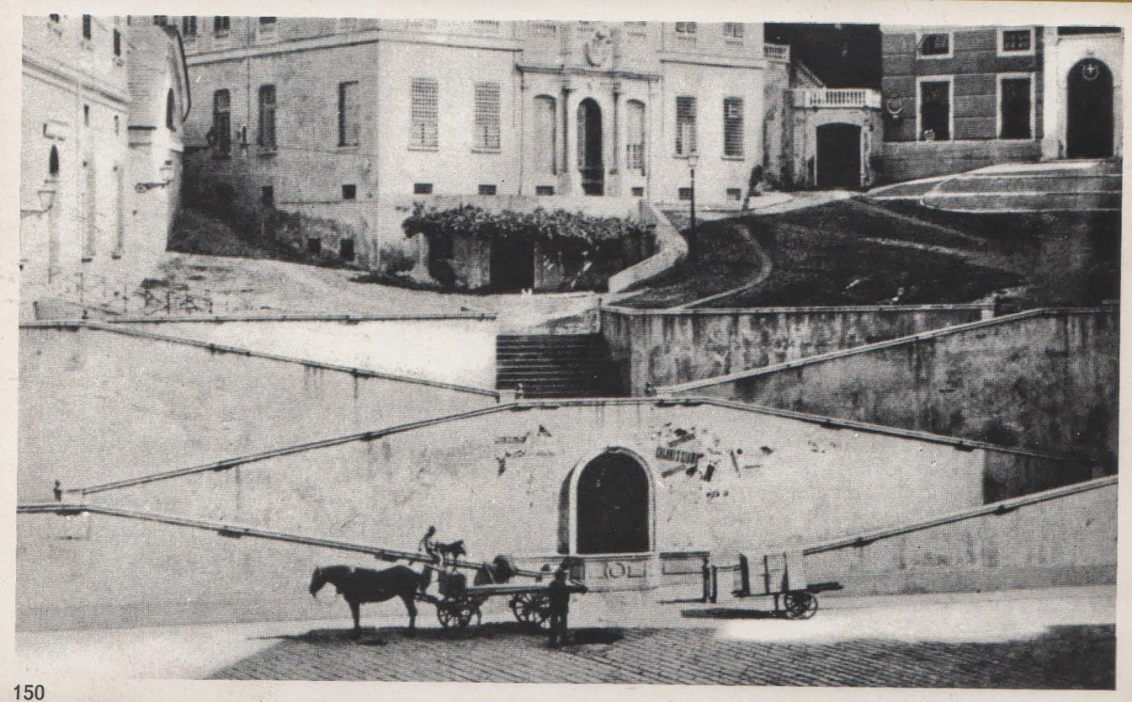 C 39 era una volta genova largo della zecca e galleria for Due case di tronchi storia