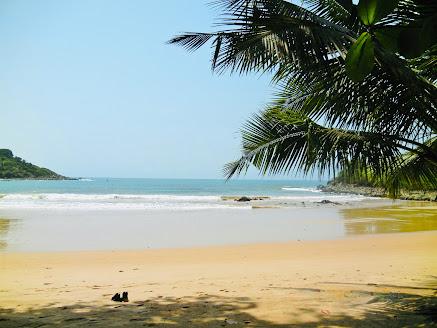 Ezile Bay beach, Western Region