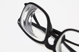 How To Choose The Right Eyeglasses Lens