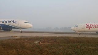 Indigo and spice jet flight came face to face at Delhi airport