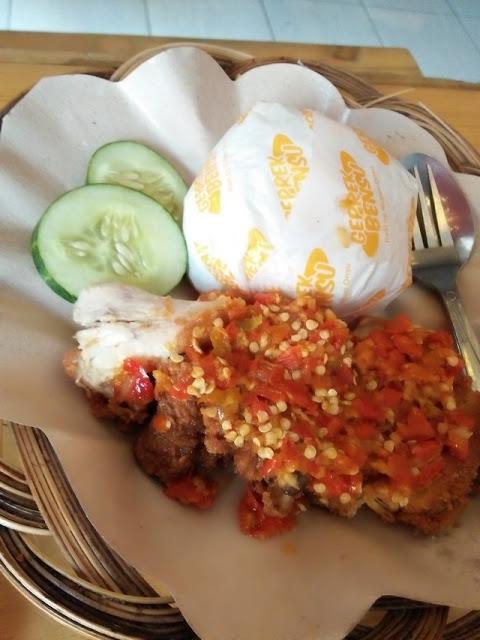 Ayam Geprek Bensu Level 2 - Makan Di tempat