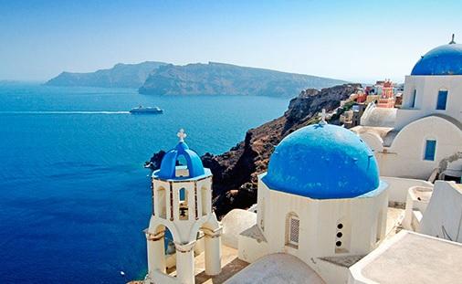 Los cruceros con parada en Santorini, viajes y turismo