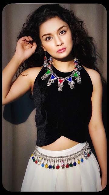 Avneet Kaur Images 19