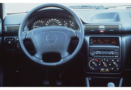 Uma paix o carros chevrolet astra for Opel astra f interieur