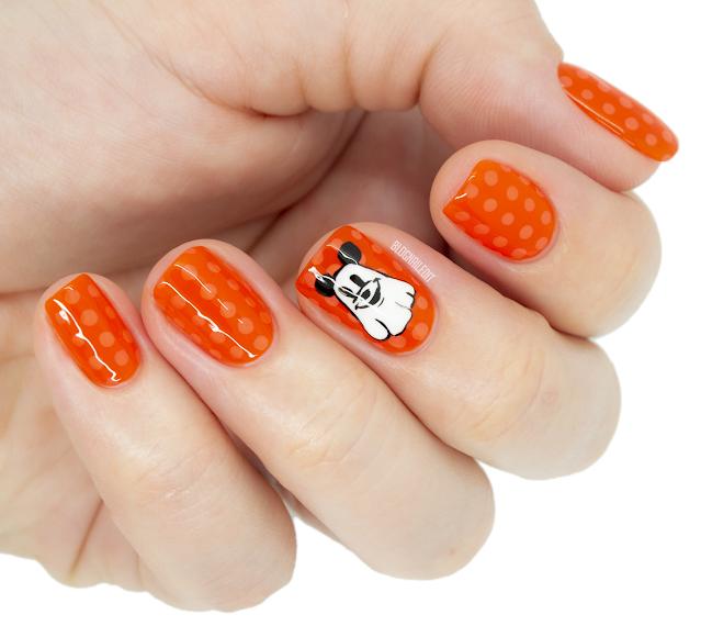 mickey mouse halloween nail art