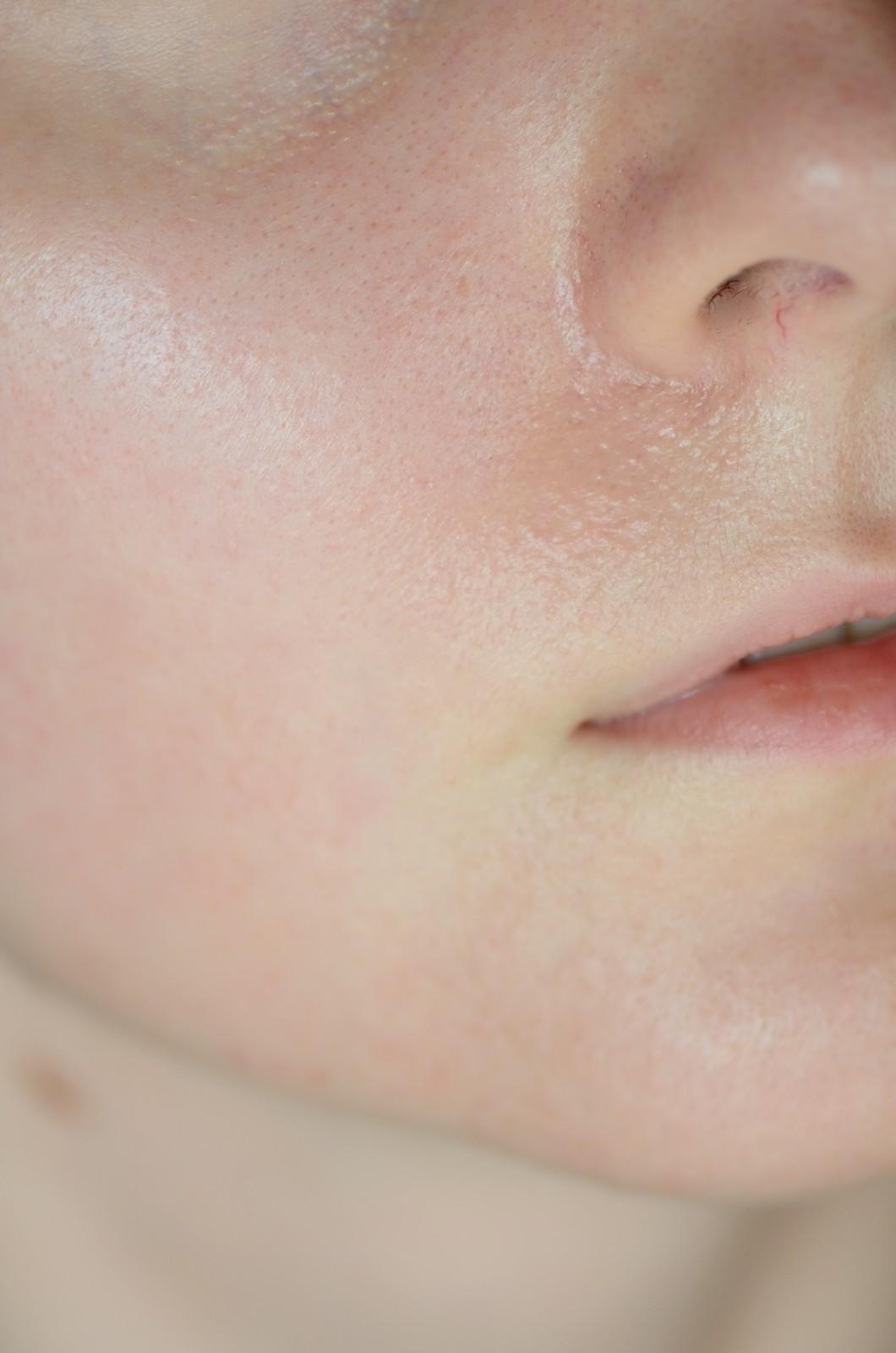 SVR SUN SECURE DRY TOUCH FLUIDE LEKKI KREM OCHRONNY NIEPOZOSTAWIAJĄCY SMUG SPF 50+  kremz  filtrem dla suchej skóry krem któy nie podrażnia z filtrem (1)