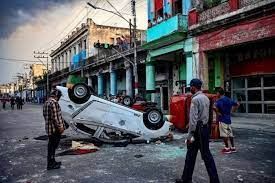 Cuba é abalada por manifestações inéditas contra o governo; país tem maior crise em 30 anos