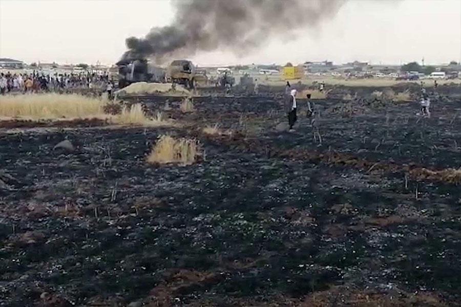 Diyarbakır Çınar Yıllarca'da alev alan biçerdöver 100 dönümlük ekili araziye zarar verdi