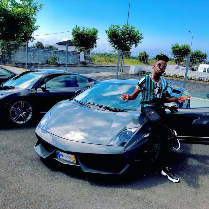 """Messias Maricoa criticado após apresentar aos seus fãs e admiradores o seu carro de marca """"Lamborghini Aventador Coupé"""""""