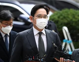 يحصل الملياردير وريث سامسونغ جاي واي لي على الإفراج المشروط ، وسيتم إطلاق سراحه من السجن يوم الجمعة