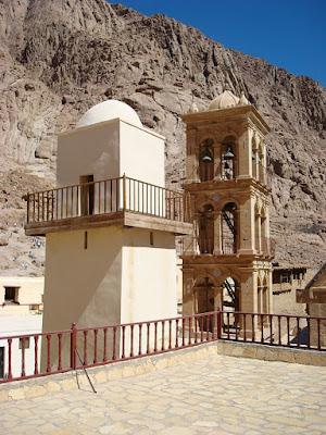 Alminar de la mezquita y torre de la Iglesia juntas