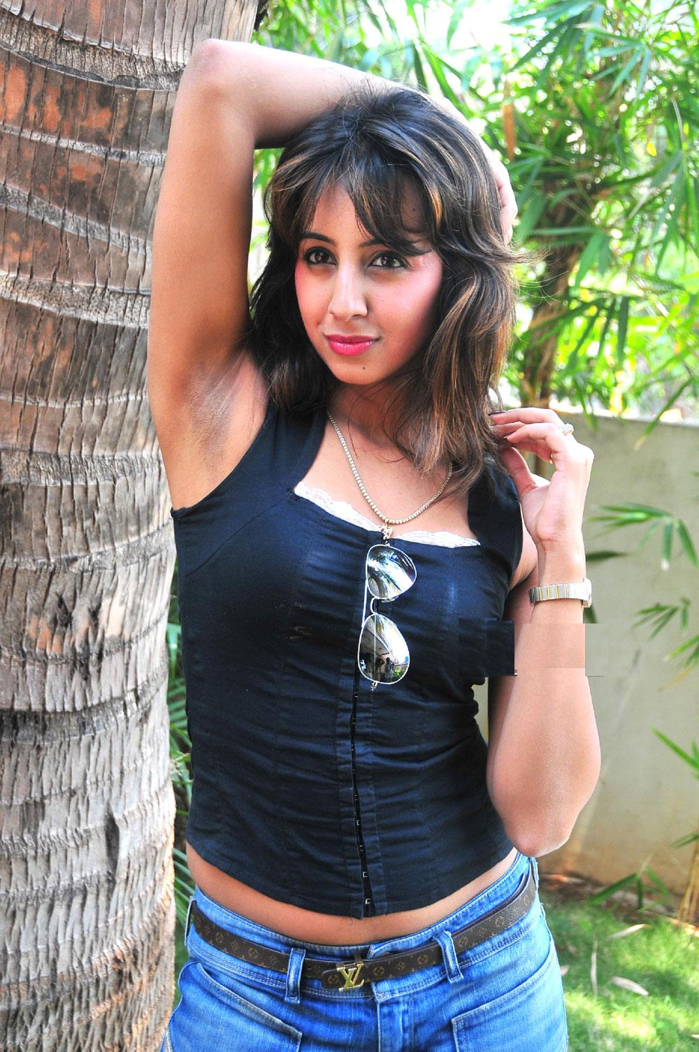 Sanjana Showing Armpits Telugu Girls Desi Girls South