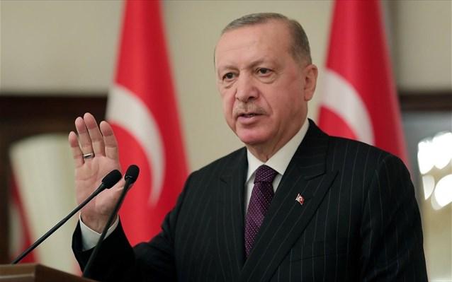 Ο Ερντογάν απομακρύνει δύο αναπληρωτές υπουργούς οικονομικών