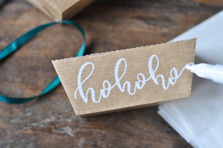 easy DIY Christmas Boxes - decorate with faux calligraphy