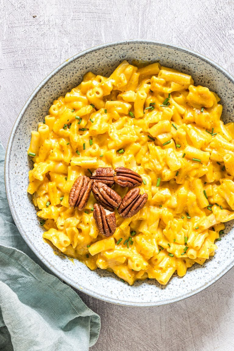 Instant Pot Pumpkin Mac and Cheese | Recipes From A Pantry