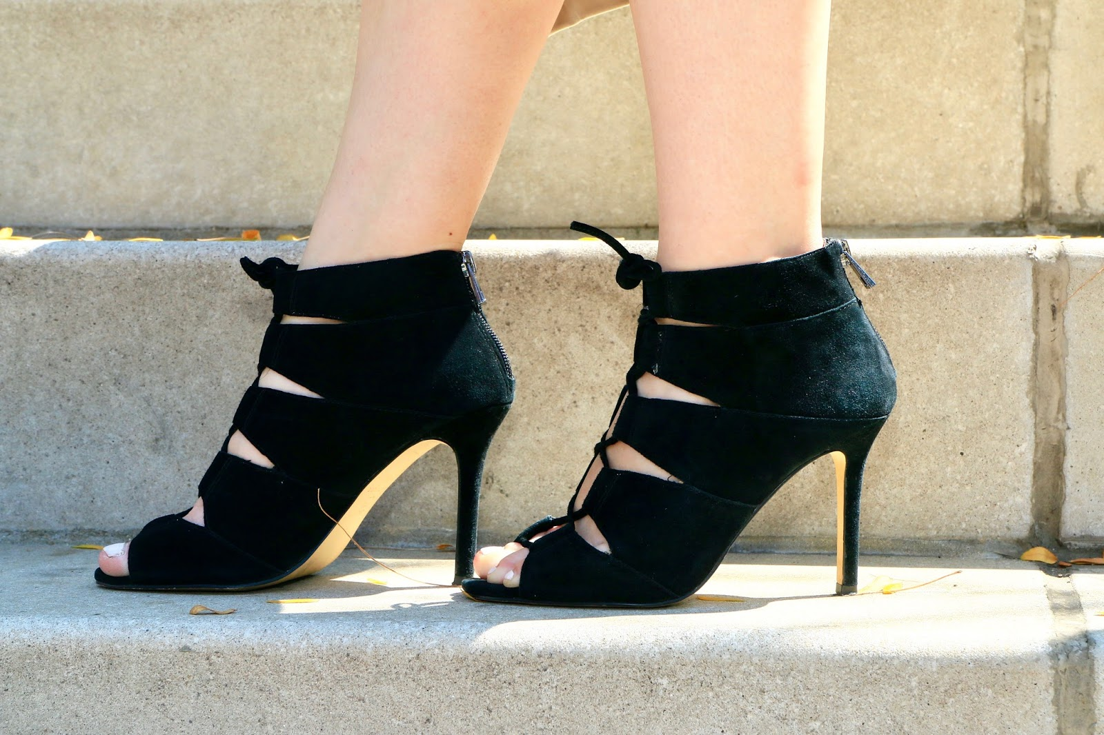NYC Fashion blogger Kathleen Harper of Kat's Fashion Fix wearing black lace up heels