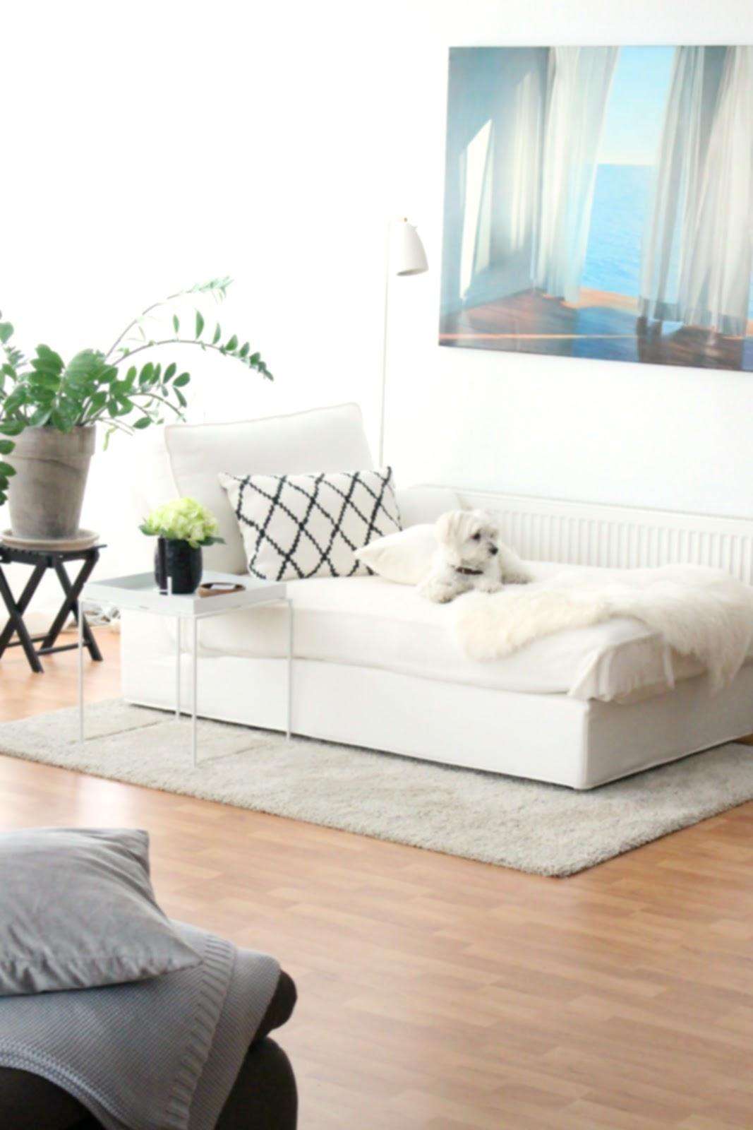INTERIOR | Monochromes Wohnzimmer mit Ethno-Details für den Herbst + ...