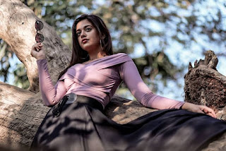 Shruti Sharma photo