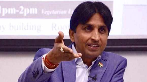 कुमार विश्वास ने बीजेपी पर साधा निशाना कहा बोलिये जय सियाराम। JNI NEWS