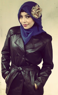 Gambar Jaket Kulit Wanita Muslimah Asli