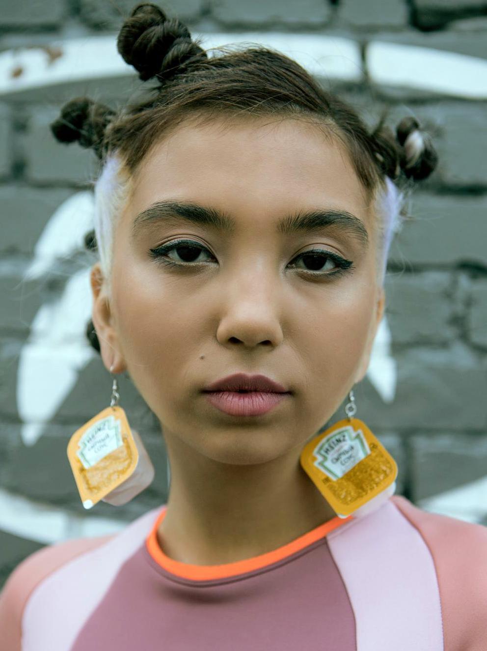 peinados con accesorios  para el pelo 2020