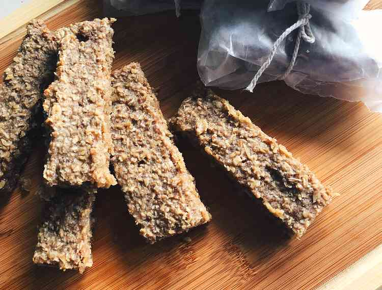 Healthy Banana Oat Bars Recipe