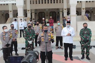 Kapolda Banten Tinjau simulasi pelaksanaan ibadah sesuai  Protokol Kesehatan di Masjid Agung Al-Amjad Tigaraksa