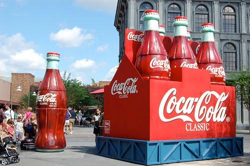 http://1.bp.blogspot.com/-UTvtS_ZQoHY/TWX2_EnxkNI/AAAAAAAAAvk/G4hVfQLIfho/s1600/coke.jpg