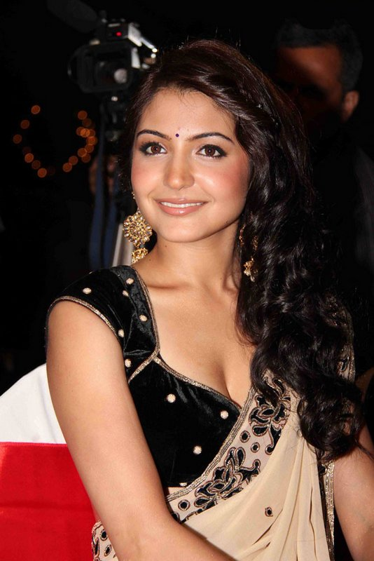Nude Actress  Bollywood Actress Anushka Sharma Latest Hot -6696