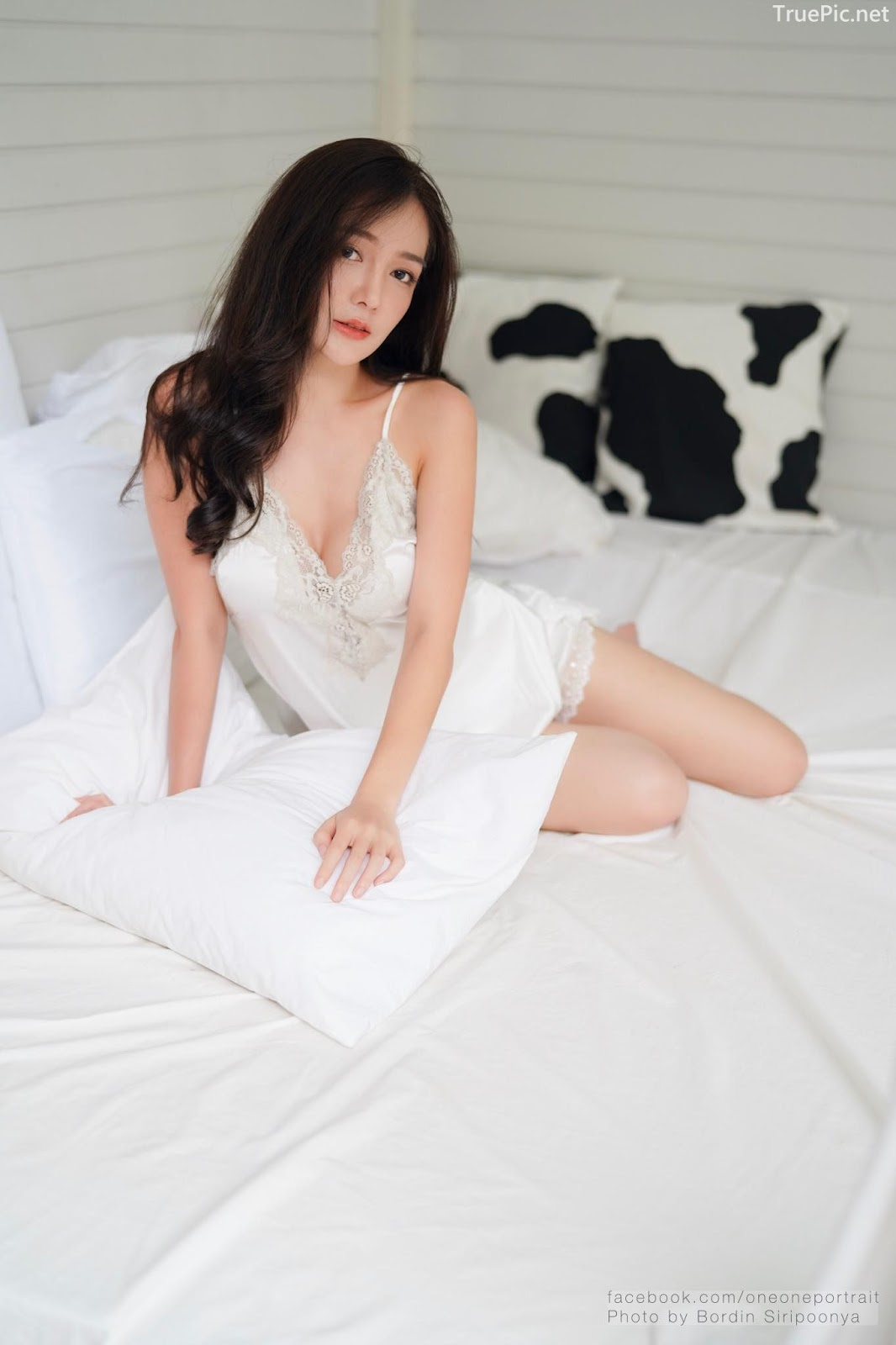 Thailand sexy model Rossarin Klinhom - Photo album Oversleeping - Picture 1