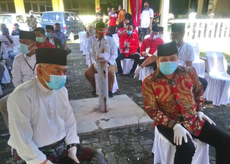 Didampingi Timnya, Lukita Dinarsyah Tuwo dan Pasangannya Datangi KPU Batam