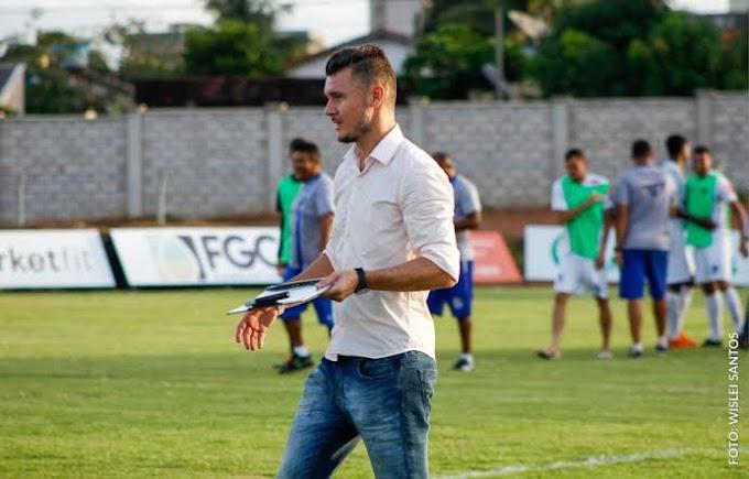 Dema é o 4º técnico com mais tempo à frente de um clube no Brasil