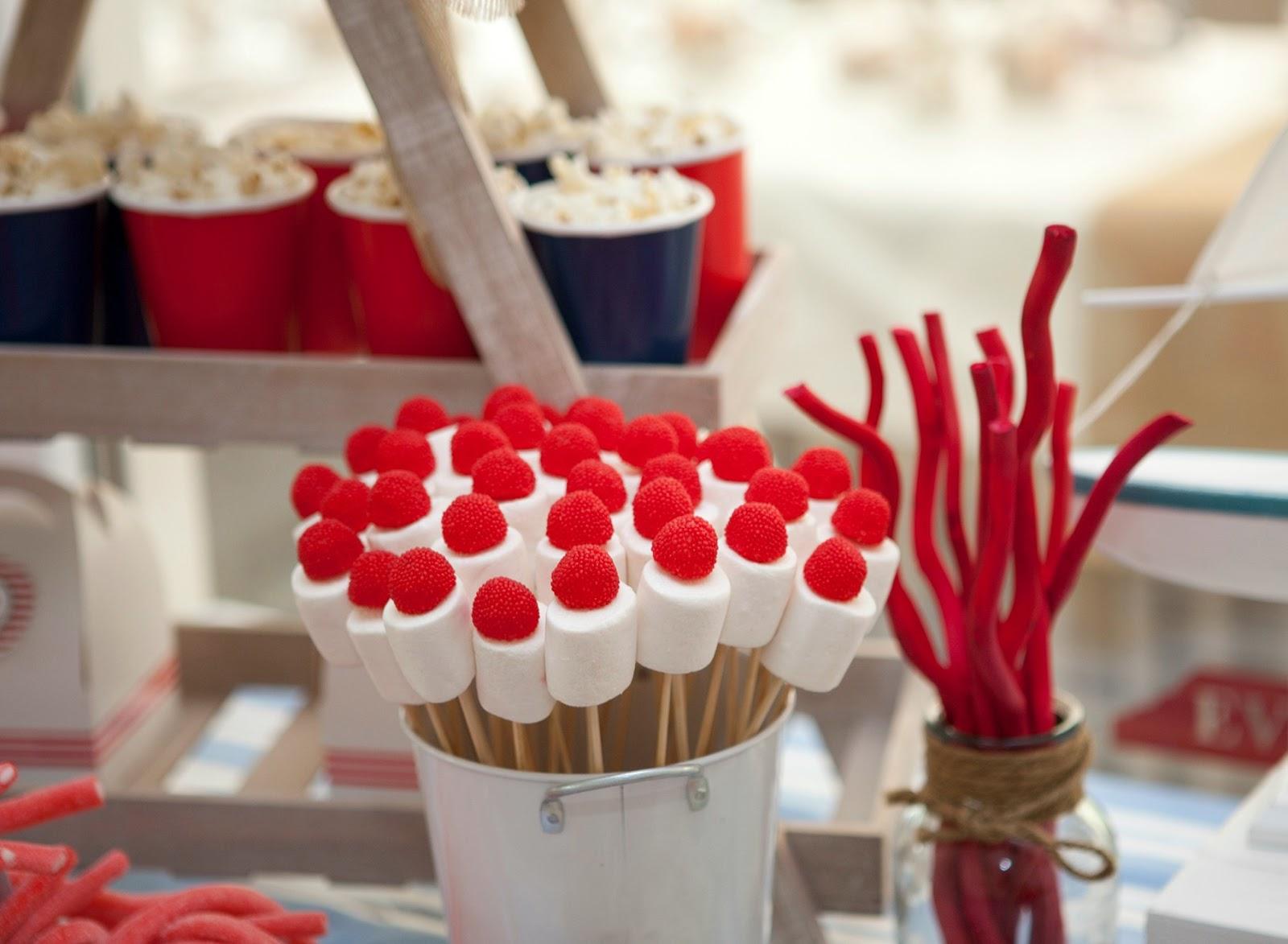 Celebra con ana compartiendo experiencias creativas for Decoracion navidena con chuches