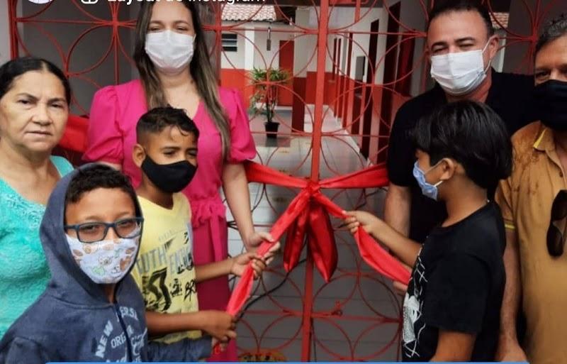 Erlânio Xavier entrega escola nova e uma outra totalmente reformada e ampliada em Igarapé Grande.